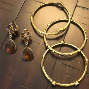 Jewelry - Gorgeous amber multi stone earrings and bangle set